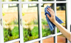 Tips on cleaning out windows